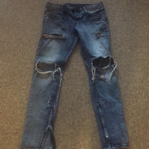 dbd0ff18 Mnml distressed denim jeans. M_5ad5266d61ca10d21c06f8f4